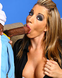 Creampie Surprise : Triple interacial Creampie!